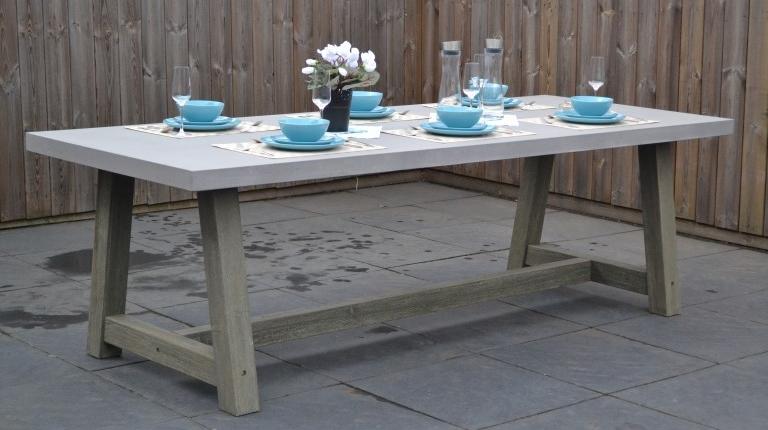 Wales Tisch mit Polystone